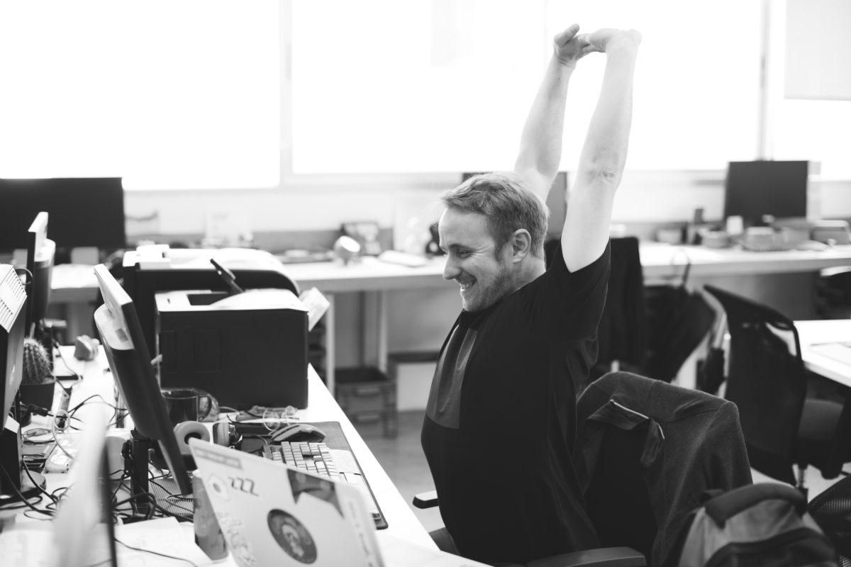 Got a desk job? You must stretch regularly!