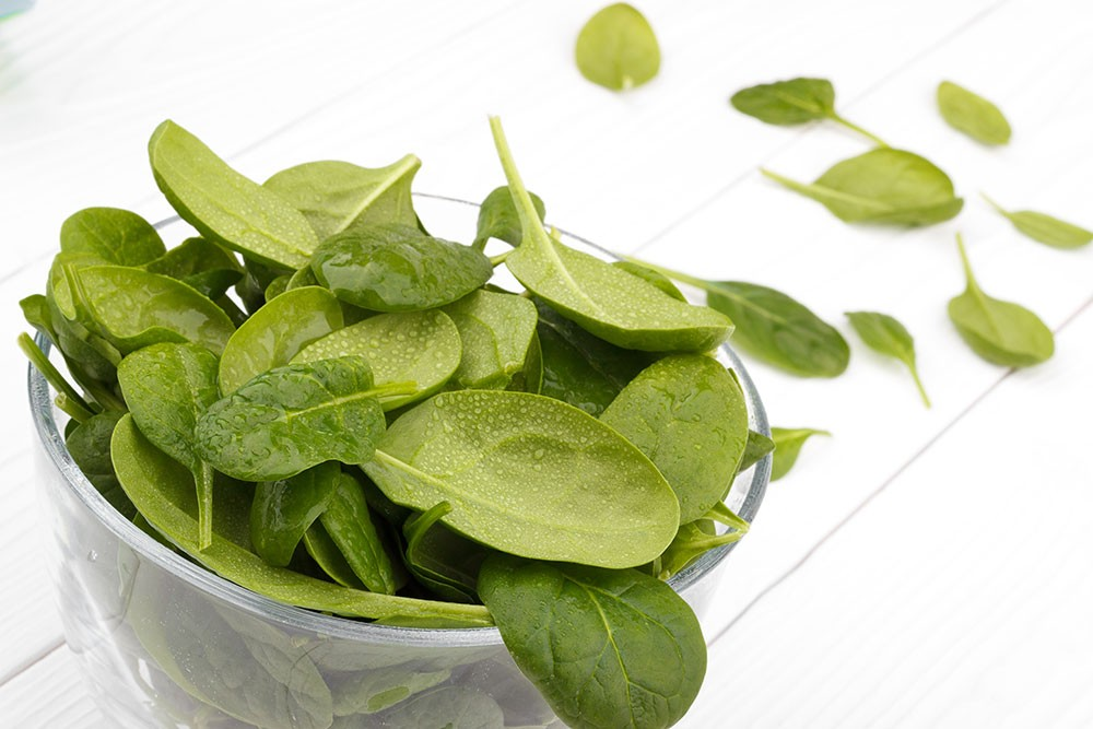 spinach is rich in calcium, iron, protein, vitamin A, C, and folic acid. It is low on the GI scale. It is good for diabetic patients.